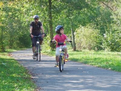 Werratalradweg: Radfahrer am Werratalsee